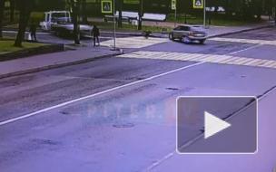 В Пушкине эвакуатор на скорости протаранил легковушку